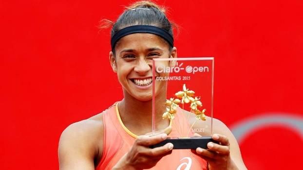 Teliana Pereira Trofeu WTA Bogota Final 18/04/2015