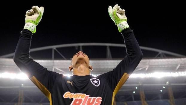 Renan comemora a classificação do Botafogo para a final