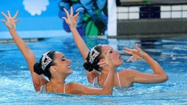 Luisa Borges e Maria Eduarda Micucci se inspiraram na capoeira para coreografia