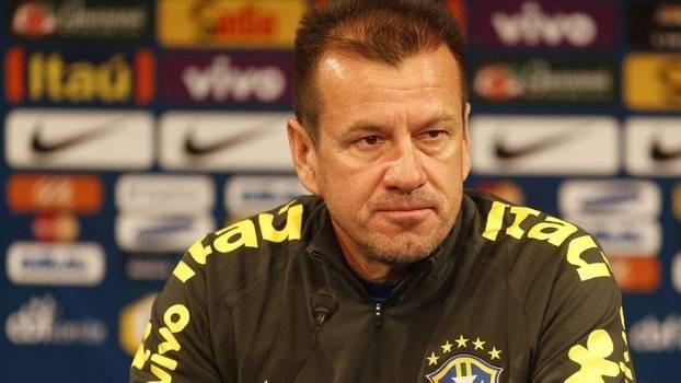 Técnico da seleção brasileira, Dunga, em entrevista prévia ao jogo com a França