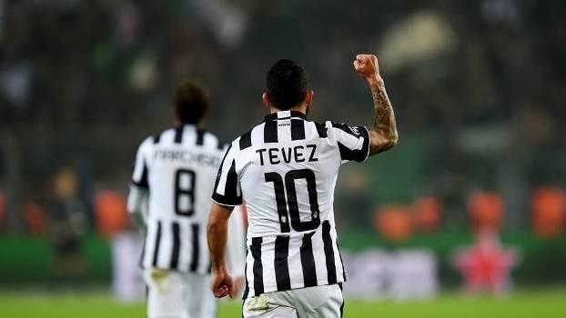 Tevez marcou duas vezes na vitória da Juventus contra o Dortmund 92b4ed17f6db8
