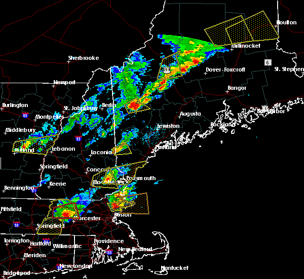 Radar Image for Severe Thunderstorms near Portsmouth, NH at 8/4/2015 3:16 PM EDT