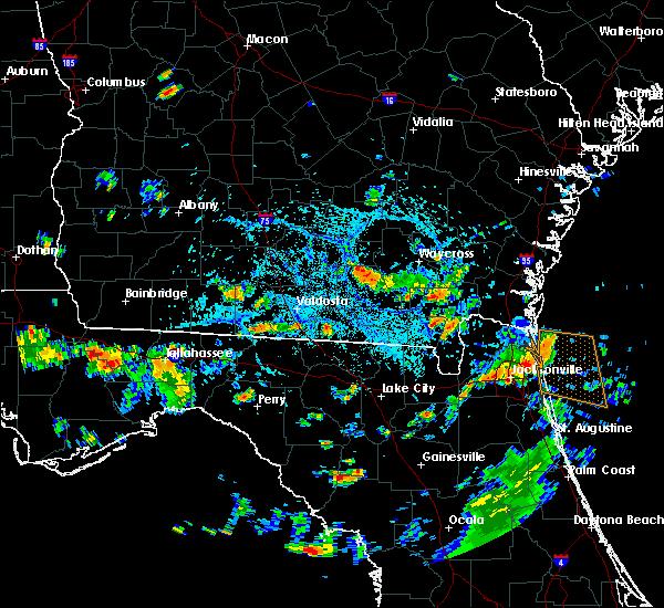 Radar Image for Severe Thunderstorms near Homerville, GA at 8/4/2015 3:20 PM EDT