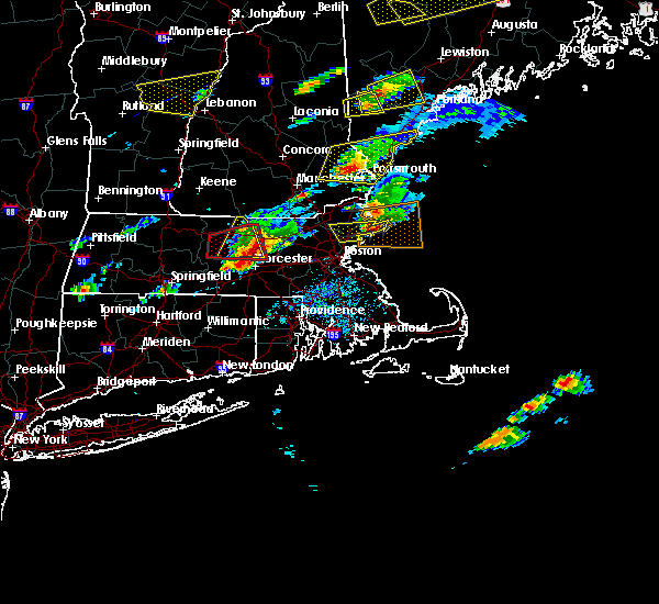 Radar Image for Severe Thunderstorms near Framingham, MA at 8/4/2015 3:27 PM EDT