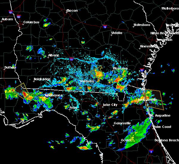 Radar Image for Severe Thunderstorms near Homerville, GA at 8/4/2015 3:34 PM EDT