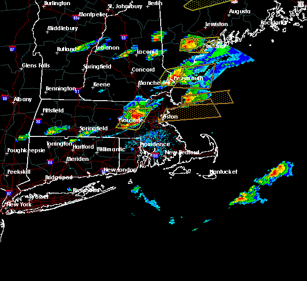 Radar Image for Severe Thunderstorms near Nahant, MA at 8/4/2015 3:53 PM EDT