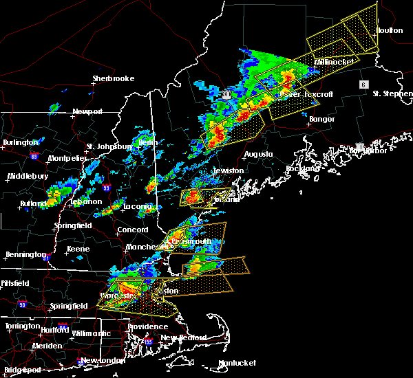Radar Image for Severe Thunderstorms near Portsmouth, NH at 8/4/2015 3:53 PM EDT