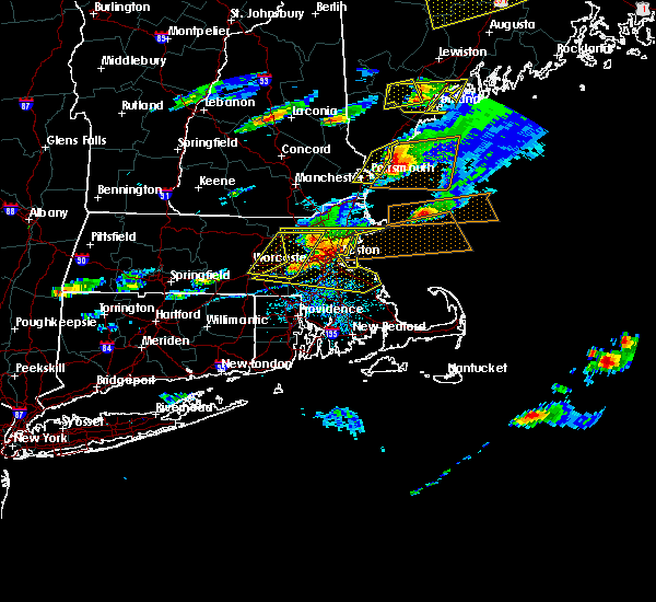 Radar Image for Severe Thunderstorms near Nahant, MA at 8/4/2015 4:12 PM EDT