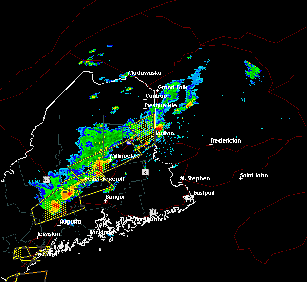 Radar Image for Severe Thunderstorms near Mars Hill, ME at 8/4/2015 4:12 PM EDT