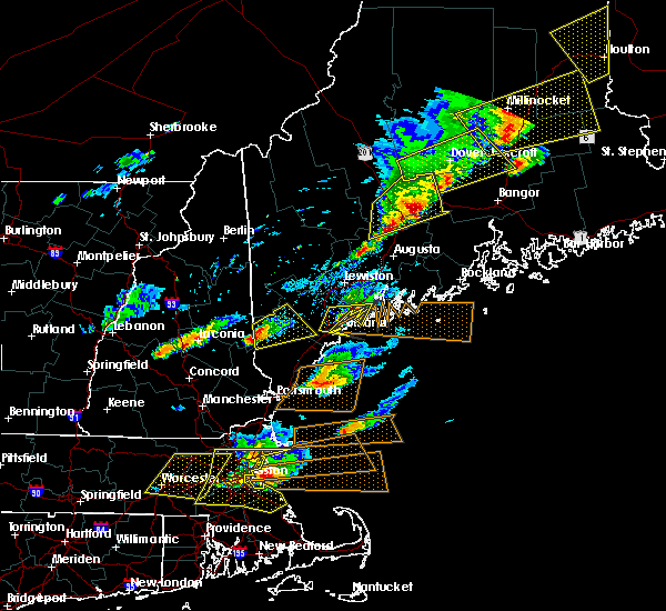 Radar Image for Severe Thunderstorms near Hartland, ME at 8/4/2015 4:33 PM EDT