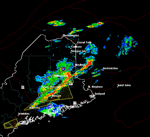 Radar Image for Severe Thunderstorms near Woodland, ME at 8/4/2015 5:17 PM EDT