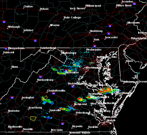 Radar Image for Severe Thunderstorms near Scottsville, VA at 8/4/2015 5:20 PM EDT