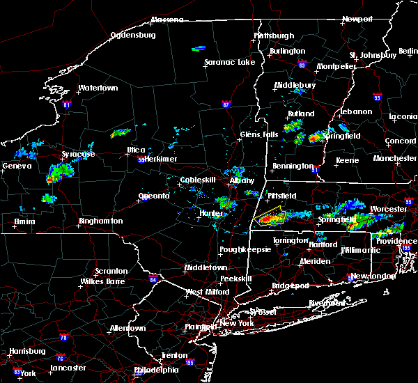 Radar Image for Severe Thunderstorms near Housatonic, MA at 8/4/2015 5:27 PM EDT