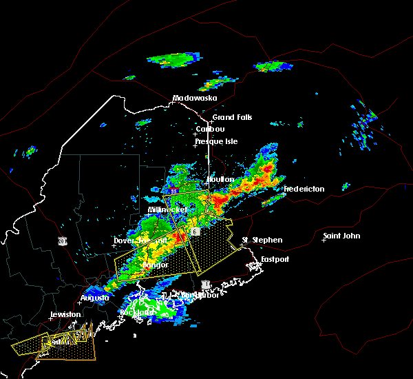 Radar Image for Severe Thunderstorms near Woodland, ME at 8/4/2015 5:46 PM EDT