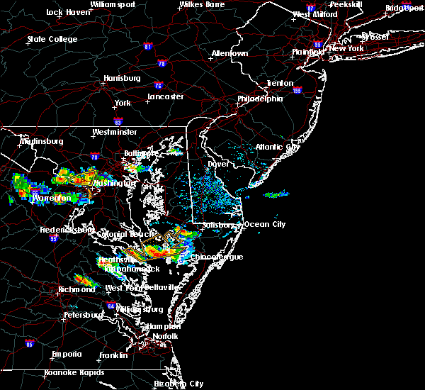 Radar Image for Severe Thunderstorms near Lexington Park, MD at 8/4/2015 6:05 PM EDT