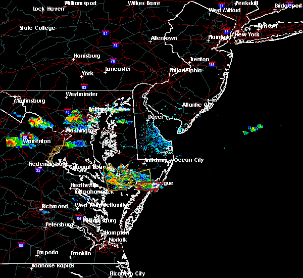 Radar Image for Severe Thunderstorms near Chincoteague, VA at 8/4/2015 7:11 PM EDT