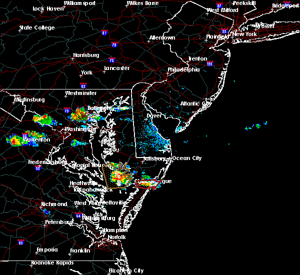 Radar Image for Severe Thunderstorms near Chincoteague, VA at 8/4/2015 7:26 PM EDT