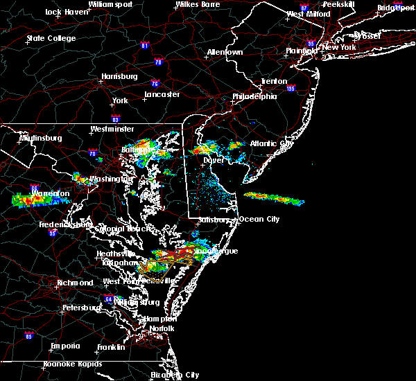 Radar Image for Severe Thunderstorms near Chincoteague, VA at 8/4/2015 8:18 PM EDT