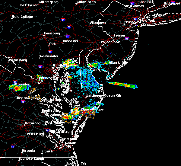 Radar Image for Severe Thunderstorms near Captains Cove, VA at 8/4/2015 8:33 PM EDT