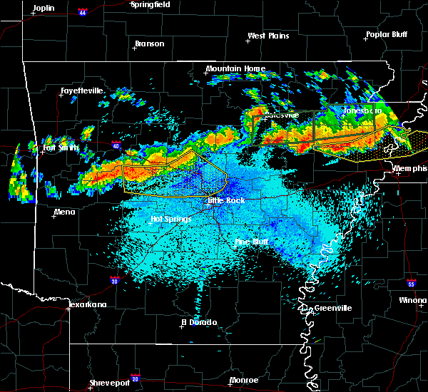 Radar Image for Severe Thunderstorms near Ola, AR at 8/5/2015 10:37 PM CDT