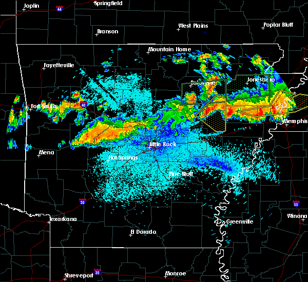 Radar Image for Severe Thunderstorms near Amagon, AR at 8/5/2015 11:03 PM CDT
