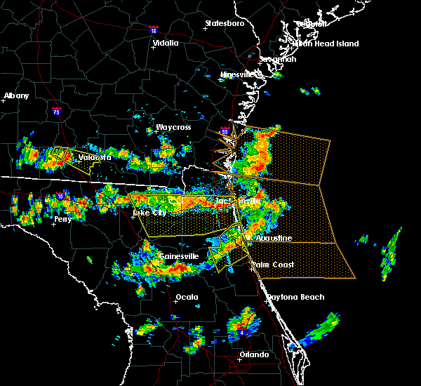 Radar Image for Severe Thunderstorms near Crescent Beach, FL at 8/7/2015 3:27 PM EDT