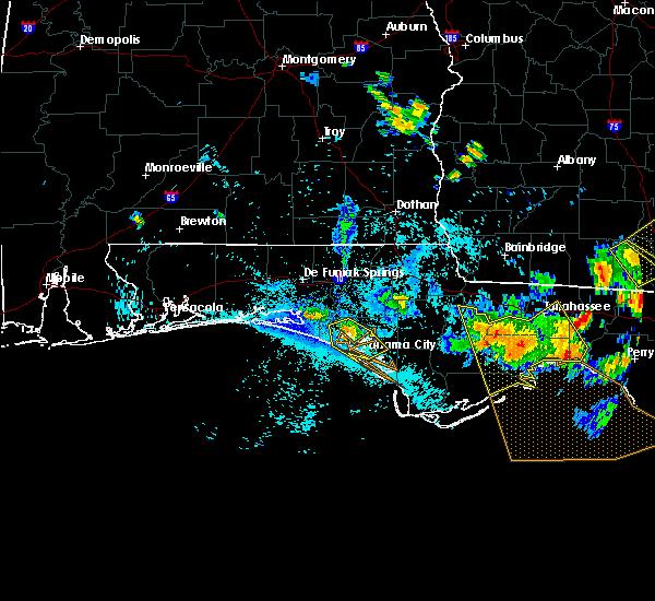 Radar Image for Severe Thunderstorms near Lynn Haven, FL at 8/7/2015 6:07 PM CDT