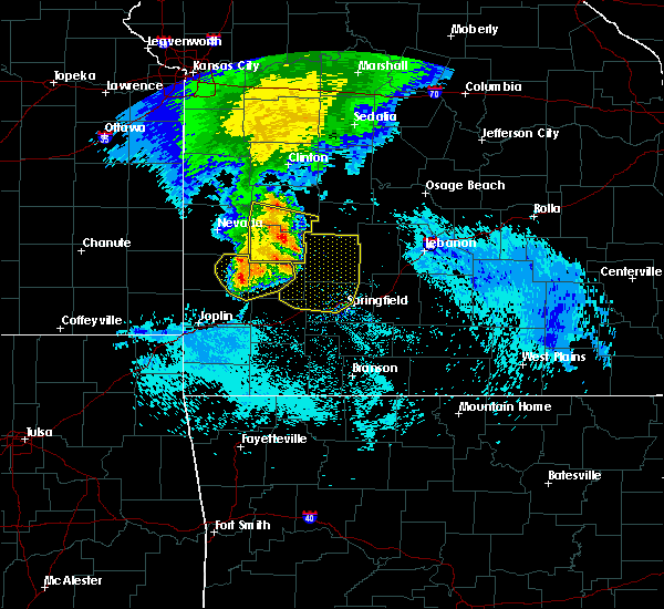 Radar Image for Severe Thunderstorms near Bolivar, MO at 8/8/2015 9:15 AM CDT