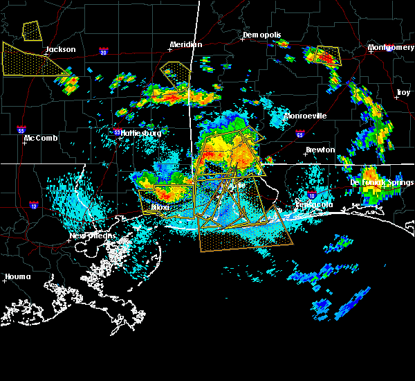 Radar Image for Severe Thunderstorms near Spanish Fort, AL at 8/8/2015 5:48 PM CDT