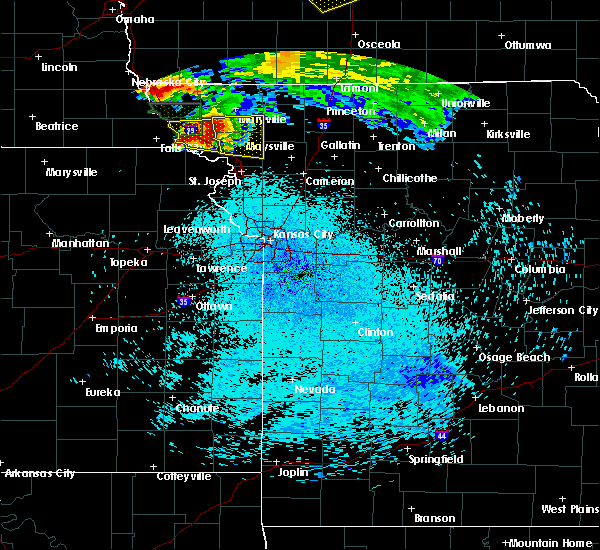 Radar Image for Severe Thunderstorms near Rosendale, MO at 8/8/2015 11:46 PM CDT