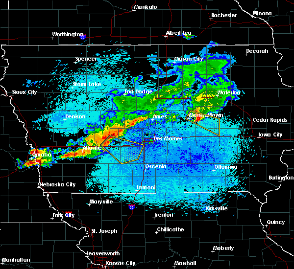 Radar Image for Severe Thunderstorms near De Soto, IA at 8/10/2015 12:17 AM CDT