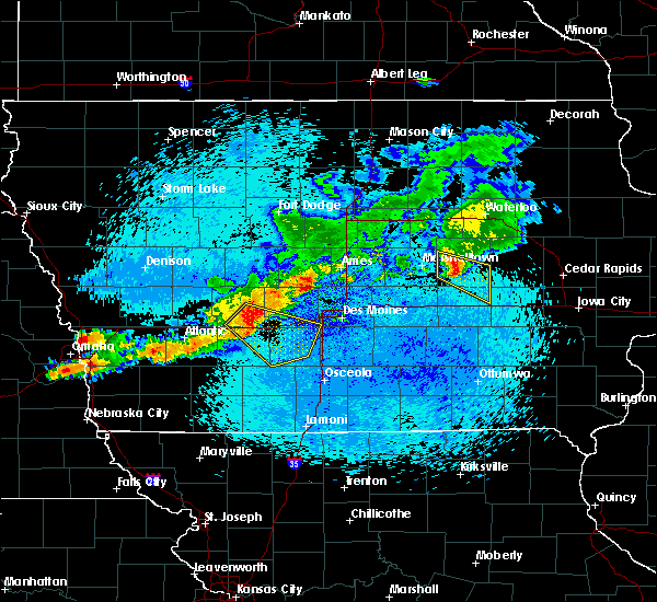 Radar Image for Severe Thunderstorms near Montour, IA at 8/10/2015 12:27 AM CDT