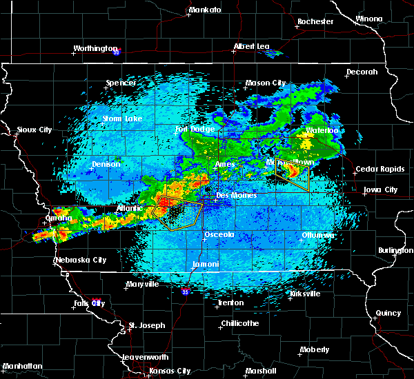 Radar Image for Severe Thunderstorms near Stuart, IA at 8/10/2015 12:39 AM CDT