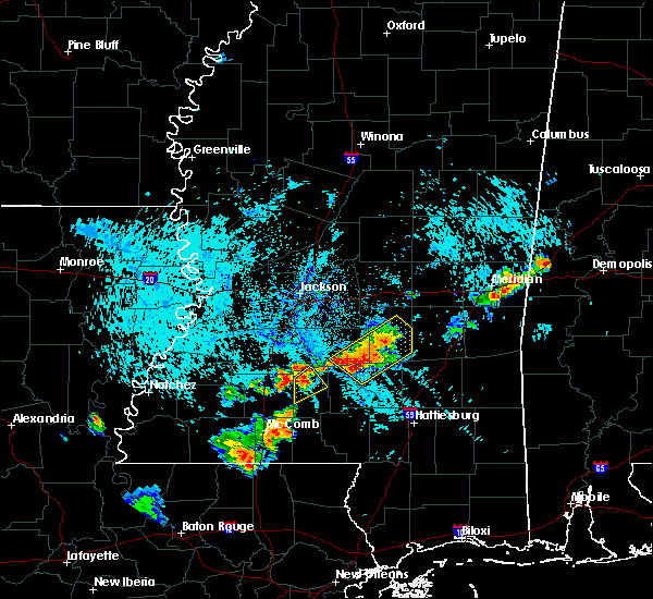 Radar Image for Severe Thunderstorms near Monticello, MS at 8/10/2015 6:03 PM CDT