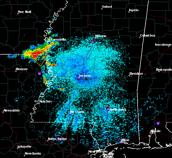 Radar Image for Severe Thunderstorms near Lake Providence, LA at 8/11/2015 3:39 AM CDT