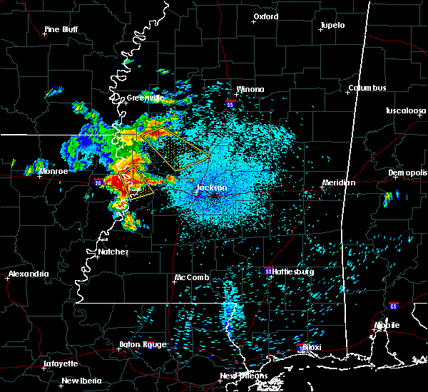 Radar Image for Severe Thunderstorms near Vicksburg, MS at 8/11/2015 4:55 AM CDT