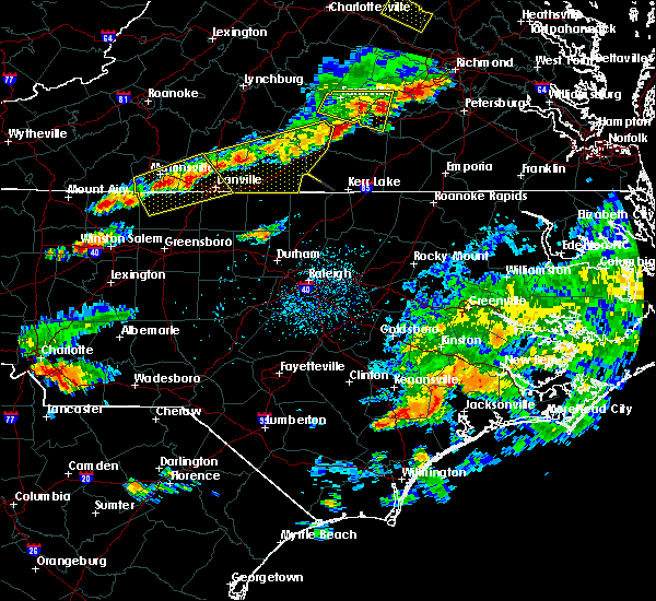 Radar Image for Severe Thunderstorms near Milton, NC at 8/11/2015 4:25 PM EDT