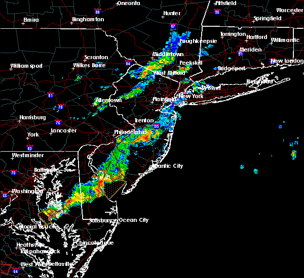 Radar Image for Severe Thunderstorms near Browns Mills, NJ at 8/11/2015 5:25 PM EDT