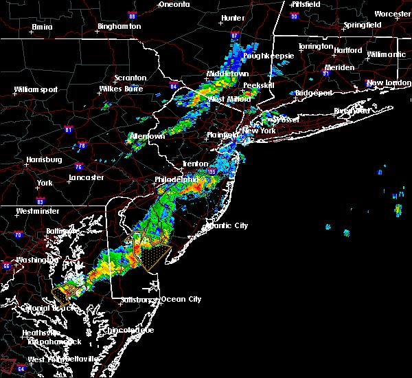 Radar Image for Severe Thunderstorms near Silver Ridge, NJ at 8/11/2015 5:25 PM EDT