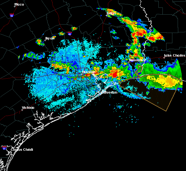 Radar Image for Severe Thunderstorms near Pasadena, TX at 8/11/2015 5:54 PM CDT