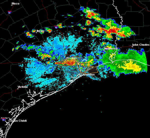 Radar Image for Severe Thunderstorms near Pasadena, TX at 8/11/2015 6:22 PM CDT