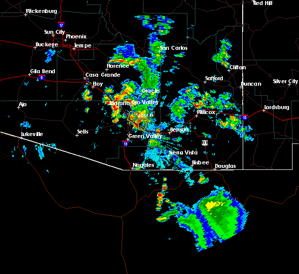 Radar Image for Severe Thunderstorms near South Tucson, AZ at 8/11/2015 7:50 PM MST