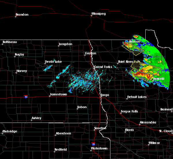 Radar Image for Severe Thunderstorms near Roseau, MN at 8/12/2015 5:32 PM CDT