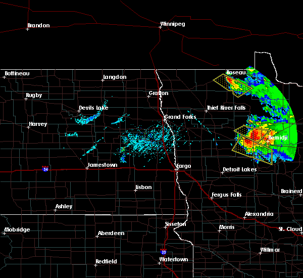 Radar Image for Severe Thunderstorms near Roseau, MN at 8/12/2015 5:54 PM CDT