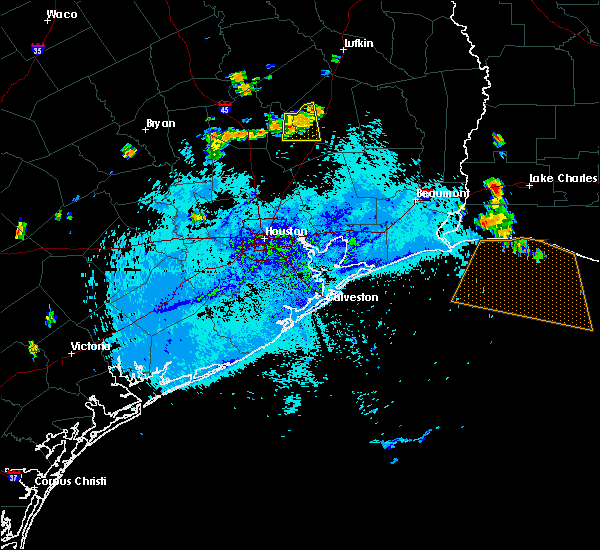 Radar Image for Severe Thunderstorms near Cape Royale, TX at 8/12/2015 6:27 PM CDT