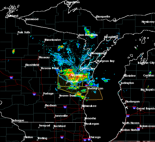 Radar Image for Severe Thunderstorms near Rosendale, WI at 8/14/2015 5:24 PM CDT