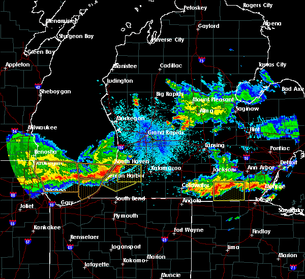 Radar Image for Severe Thunderstorms near Lake Michigan Beach, MI at 8/14/2015 10:06 PM EDT