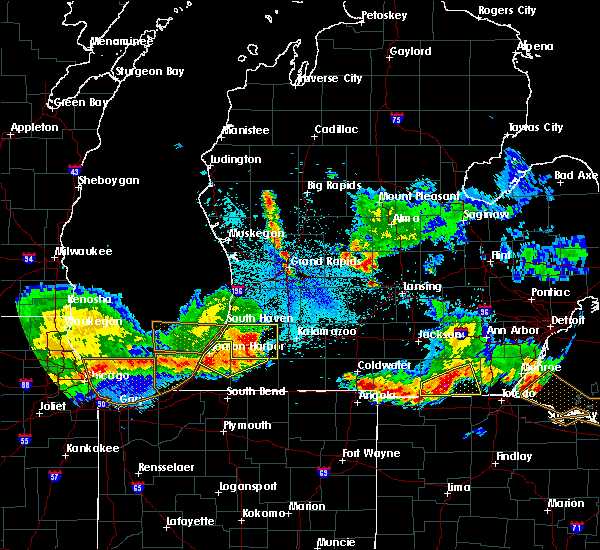 Radar Image for Severe Thunderstorms near Lake Michigan Beach, MI at 8/14/2015 10:29 PM EDT