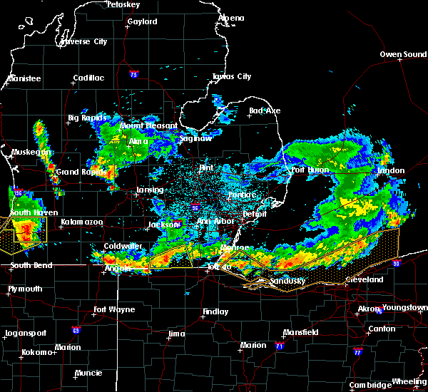 Radar Image for Severe Thunderstorms near Morenci, MI at 8/14/2015 10:28 PM EDT