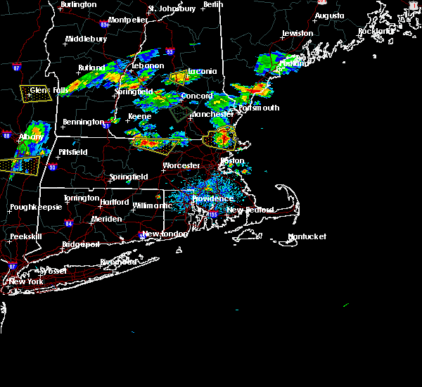 Radar Image for Severe Thunderstorms near Beverly, MA at 8/15/2015 5:30 PM EDT